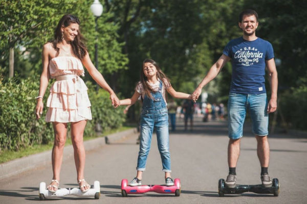 Hoverboards age-gap as Swegways best family